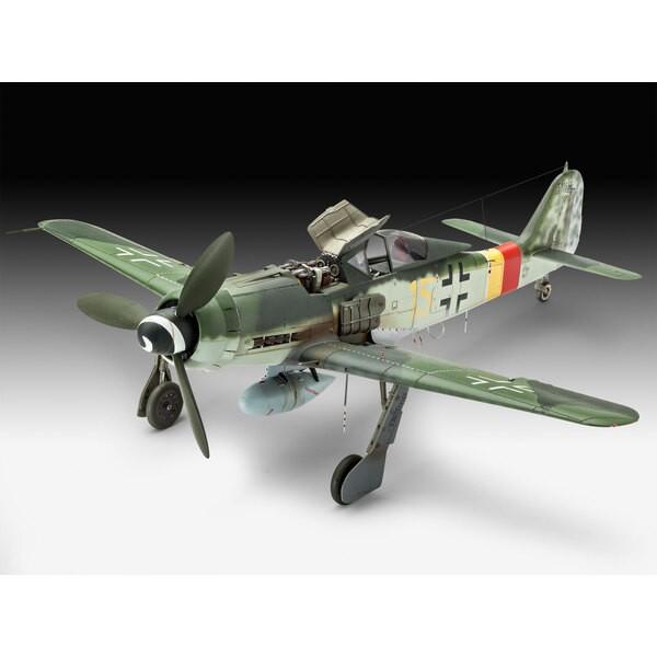 Focke Wulf Fw-190D-9 A model bouwpakket van de Fw190D-9, een krachtigere versie van de Fw190A met een Jumo 213A motor voor opera