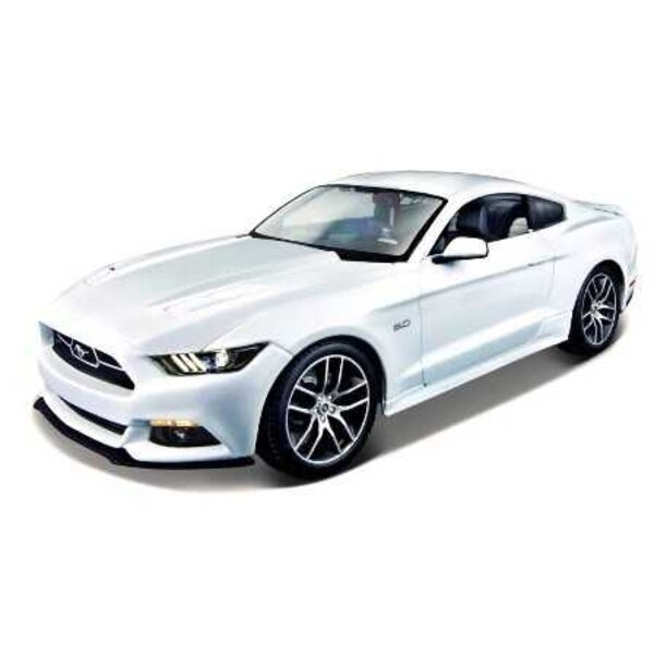Ford Mustang GT 2015 White