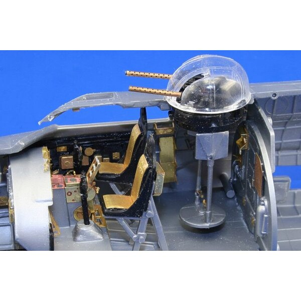 Boeing B-17G Flying Fortress cockpit interior PRE-PAINTED IN COLOUR! (toebehoren voor modelbouwsets van Monogram and Revell)