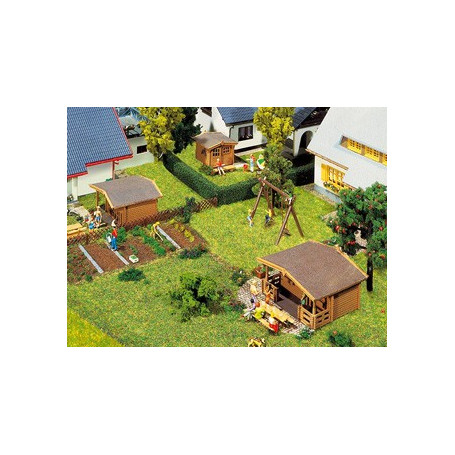 3 Summer houses