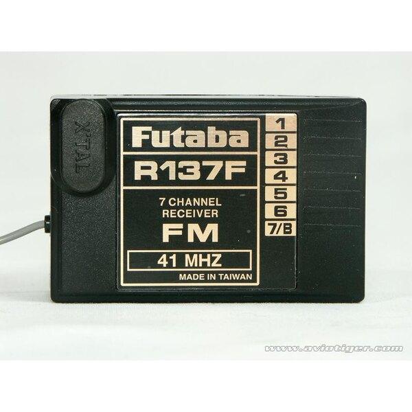 ONTVANGER R137F FM 35 MHZ